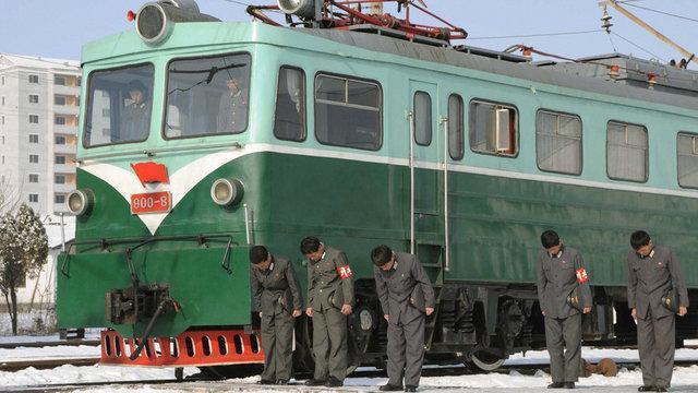 ارتش آمریکا پروژه خط آهن ارتباطی میان دو کره را متوقف کرد