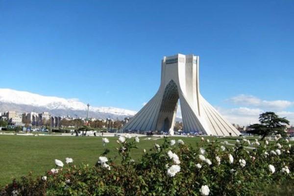 هوای تهران در 13 فروردین ماه پاک است